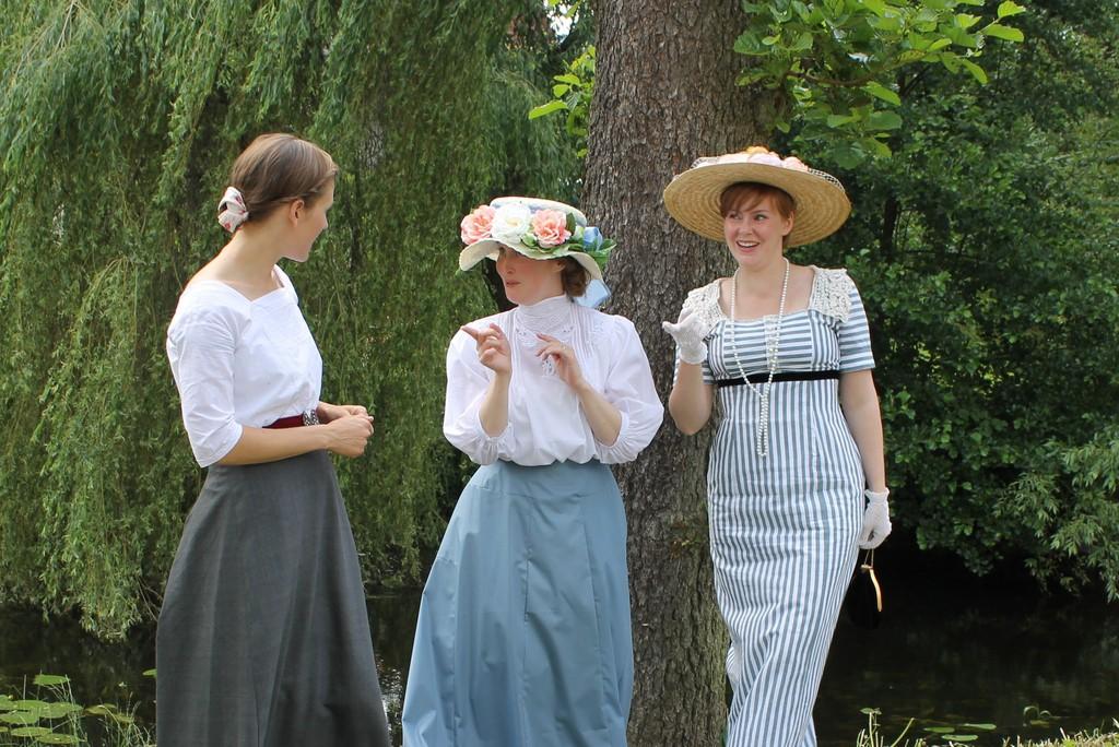 Fotosession med Josefine och Åsa, på 1800-talsdagen.